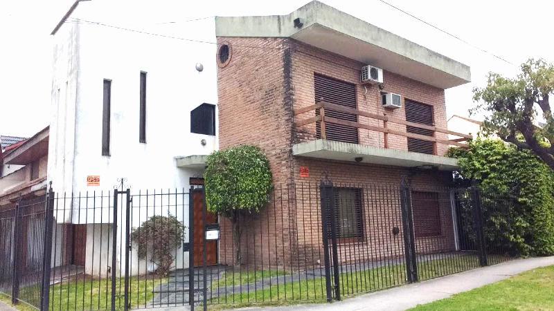 Foto Casa en Venta en Alvarez Jonte al 900, G.B.A. Zona Oeste | Moron | Castelar
