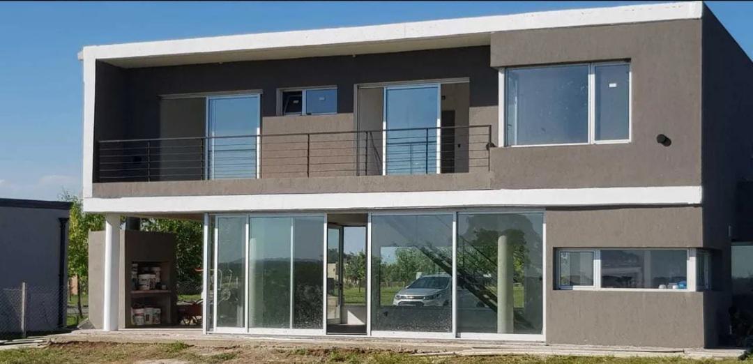 Foto Casa en Alquiler en  San Sebastián,  Countries/B.Cerrado (Pilar)  Alquiler casa 3 dormitorios en San Sebastián