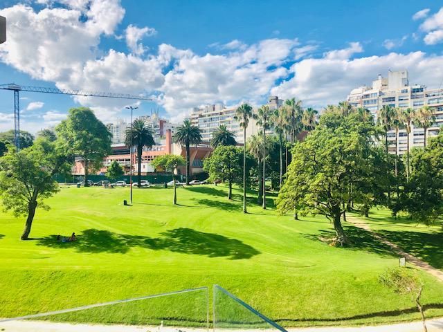 Foto Departamento en Alquiler en  Villa Biarritz ,  Montevideo  Excepcional monoambiente frente al Parque Villa Biarritz. Garajes opcionales.