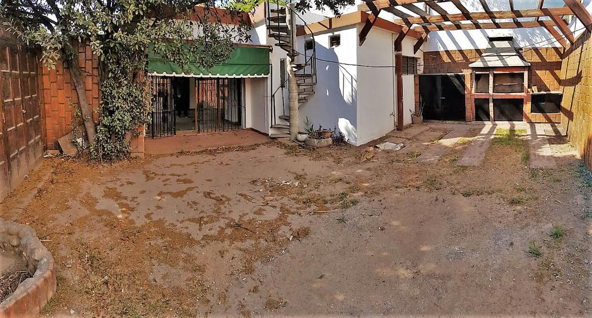 Foto Casa en Venta en  Parque Velez Sarsfield,  Cordoba Capital  Parque Velez Sarsfield - Naciones Unidas al 900