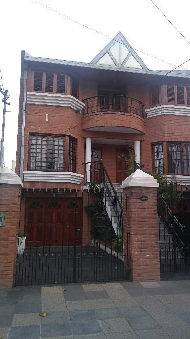 Foto Casa en Venta en  Lanús Este,  Lanús  A. Illia   al 1247   RESERVADA