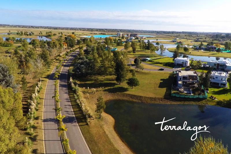 Foto Terreno en Venta en  Terralagos,  Countries/B.Cerrado (Ezeiza)  Excelente lote a la laguna