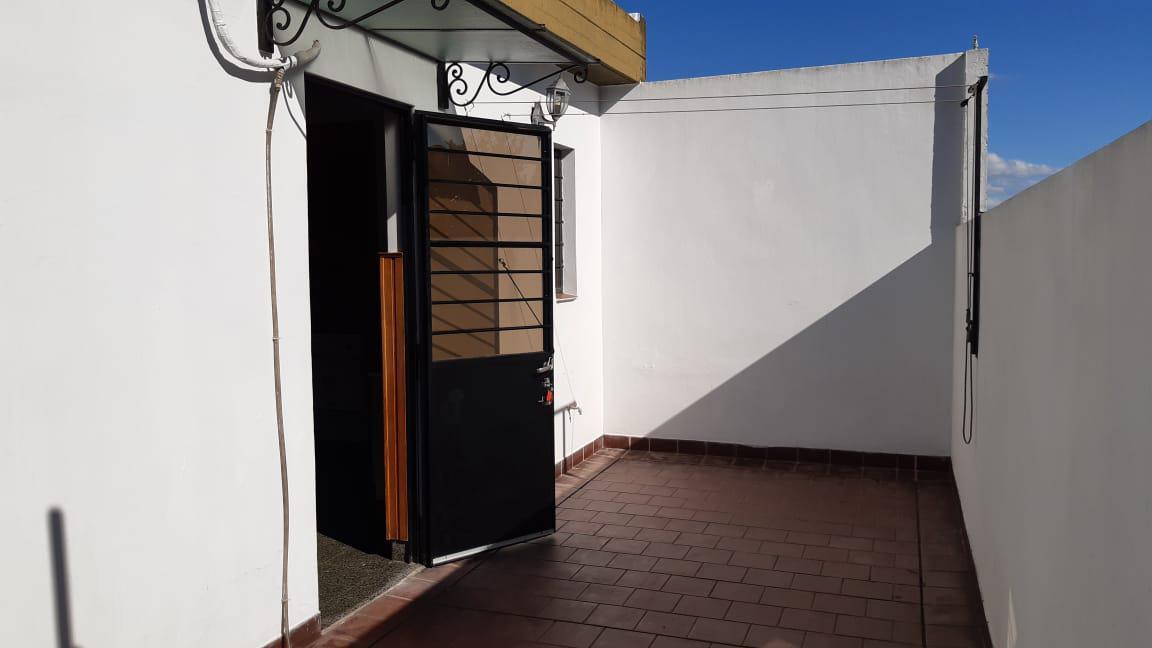 Foto PH en Alquiler en  Olivos,  Vicente Lopez  Ramón Castro al 2300