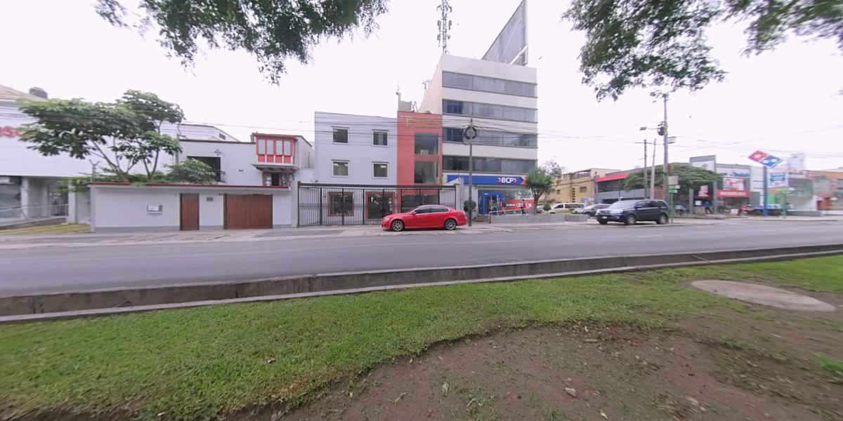 Foto Local en Venta en  Miraflores,  Lima  Avenida Benavides