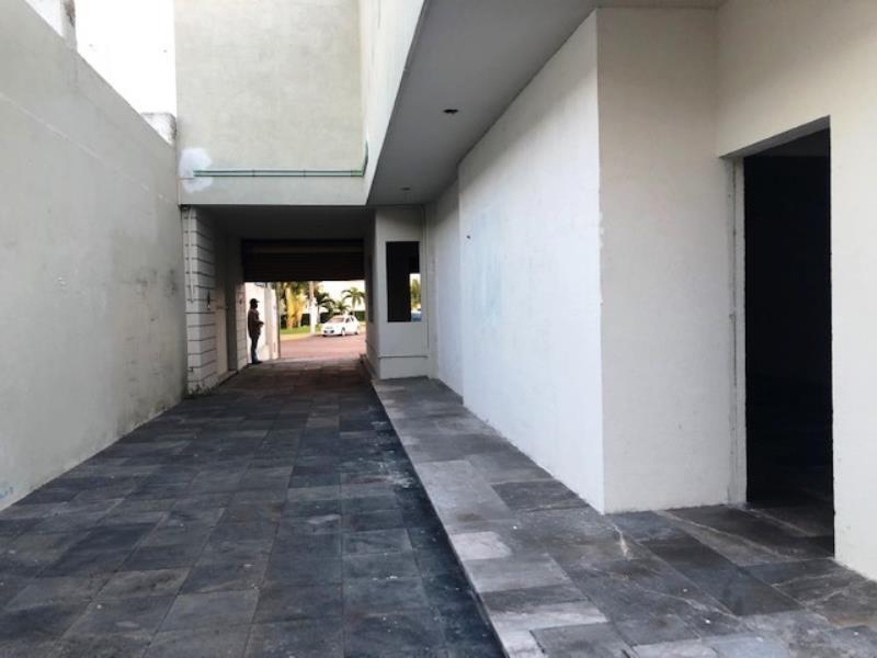 Foto Local en Renta en  Petrolera,  Tampico  Amplio local sobre avenida principal