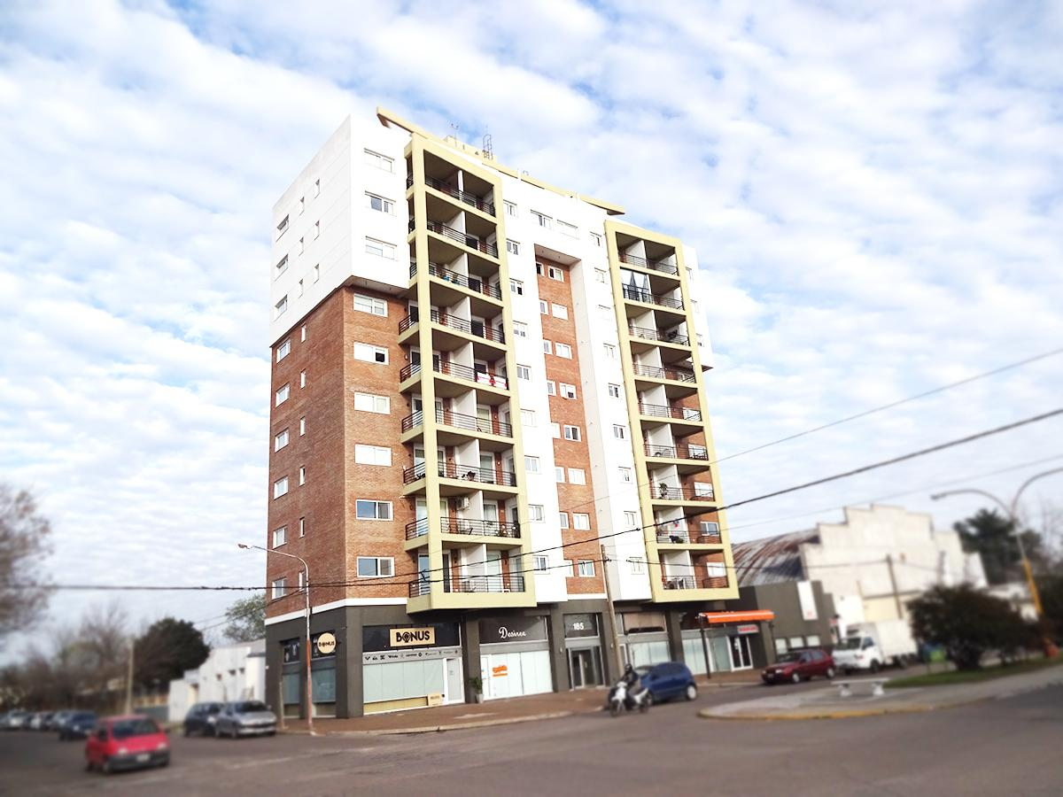 Foto Departamento en Venta en  General Pico,  Maraco  Av. San Martin esq. 5 Piso 4