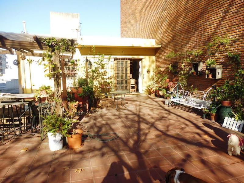 Foto Casa en Venta en  Pocitos ,  Montevideo  AV. GRAL. FRUCTUOSO RIVERA 2686/100