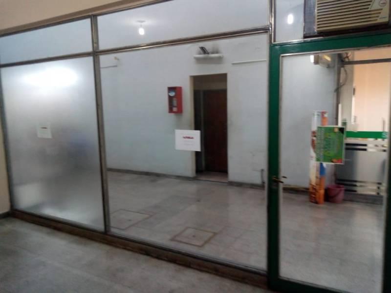 Foto Local en Venta en  Centro,  Rosario  Mitre 868