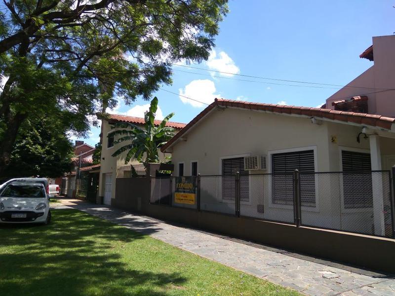 Foto Casa en Venta en  Lomas De Zamora ,  G.B.A. Zona Sur  Saavedra al 600