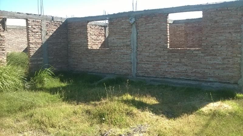 Foto Terreno en Venta en  Villa Regina,  General Roca  TERRENO CON CONSTRUCCION-(V.R.)
