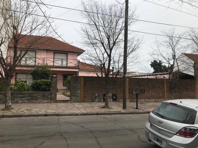 Foto Casa en Venta en  Llavallol,  Lomas De Zamora  San Mateo 189