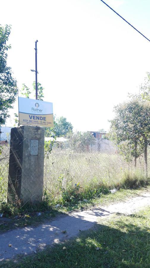Foto Terreno en Venta en  La Plata,  La Plata  160 entre 517 y 518