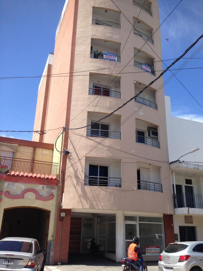 Foto Departamento en Alquiler en  Centro,  Presidencia Roque Saenz Peña  Belgrano al 400
