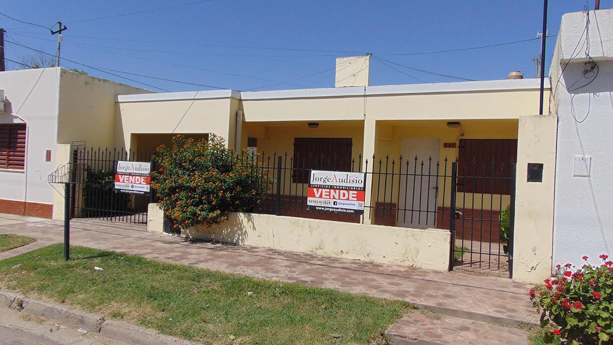 Foto Casa en Venta en  San Etelvino,  General Pico  114 e/ 11 y 13 bis