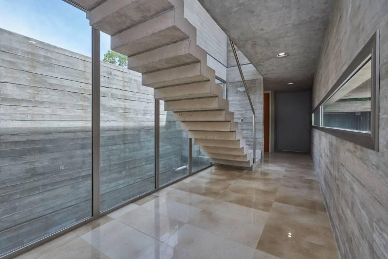 Foto Casa en Venta en  Martinez,  San Isidro  Emilio Mitre 1200