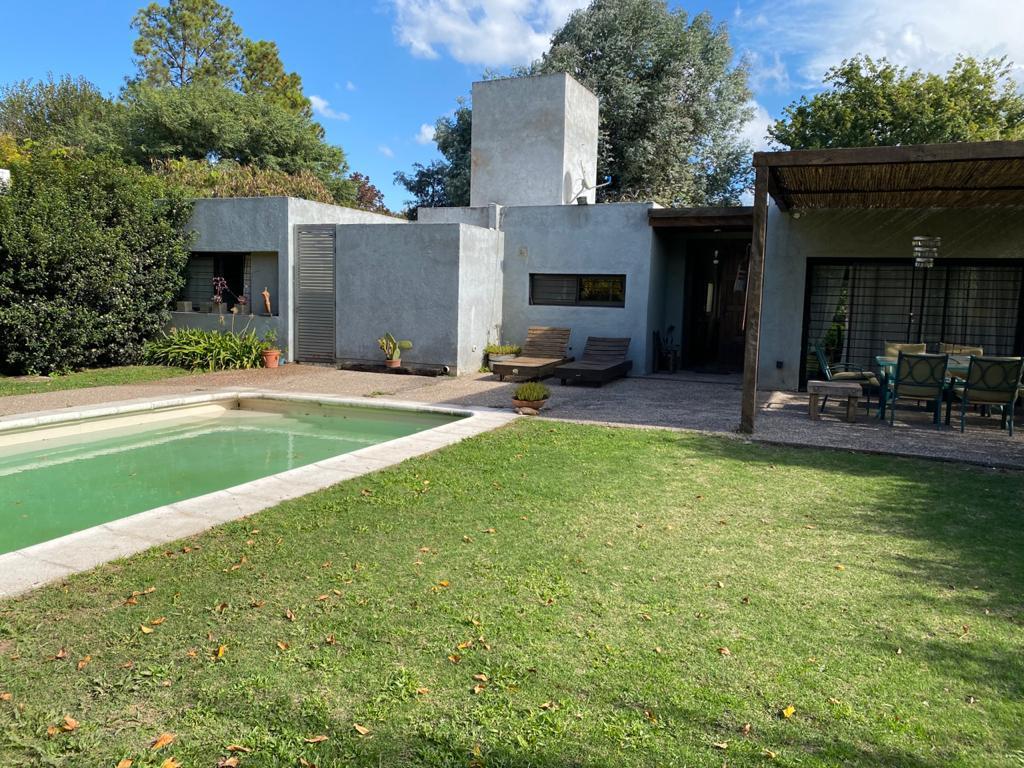 Foto Casa en Alquiler temporario en  Villa Allende Golf,  Villa Allende  Madrid al 100
