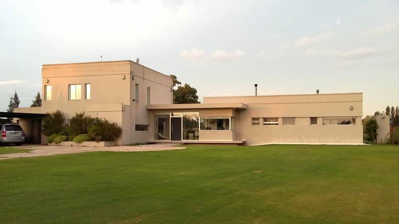 Foto Casa en Venta en  Chacras de Uribelarrea,  Uribelarrea  Chacras de Uribelarrea Ruta 205 km 82 - Uribelarrea, Cañuelas, Pcia. de Buenos Aires