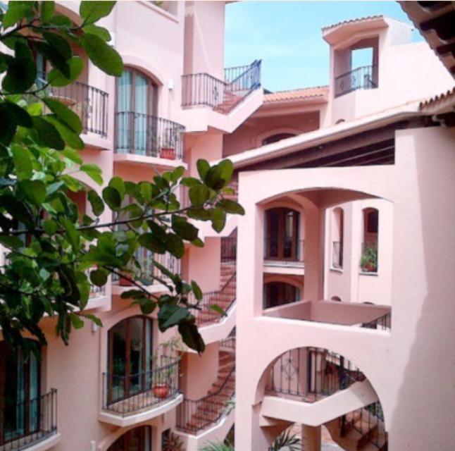 Foto Hotel en Venta en  Quintana Roo ,  Quintana Roo  Venta Hotel Acanto a media cuadra de la 5ta Av. en Playa del Carmen