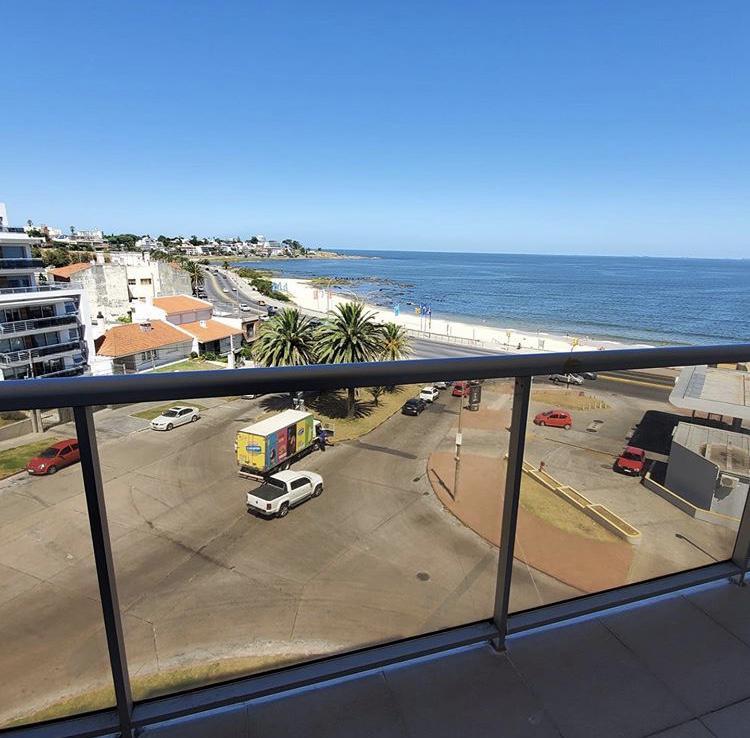 Foto Apartamento en Alquiler en  Malvín ,  Montevideo  Inmejorables vistas, rambla Malvín