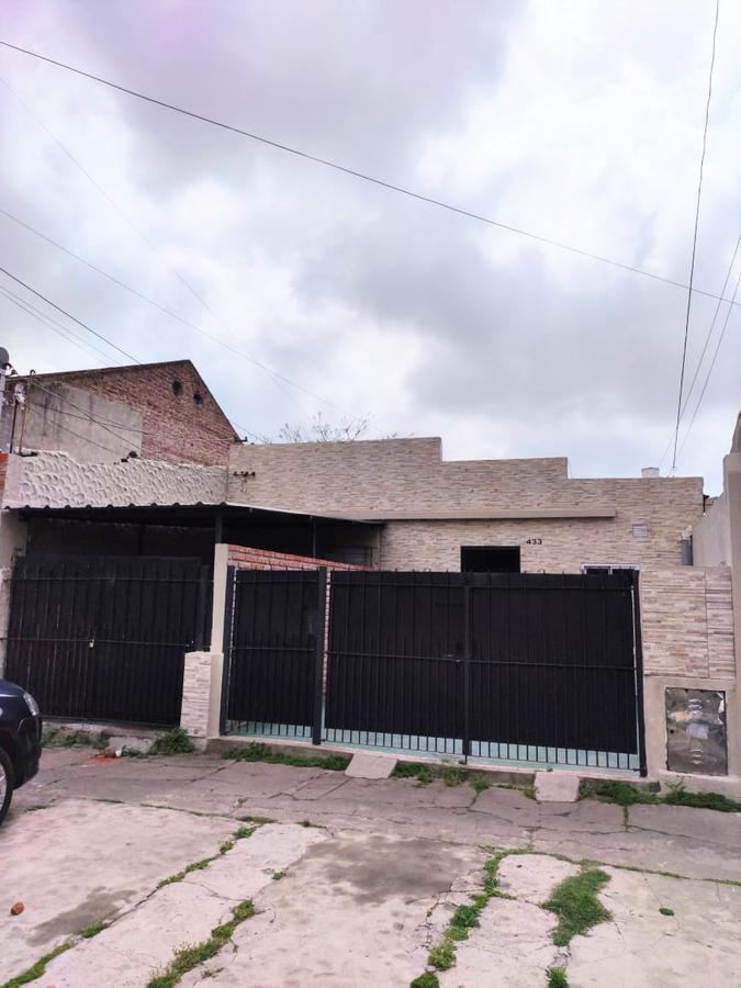 Foto Casa en Alquiler | Venta en  Lanús Este,  Lanús  Republica del Libano al 400