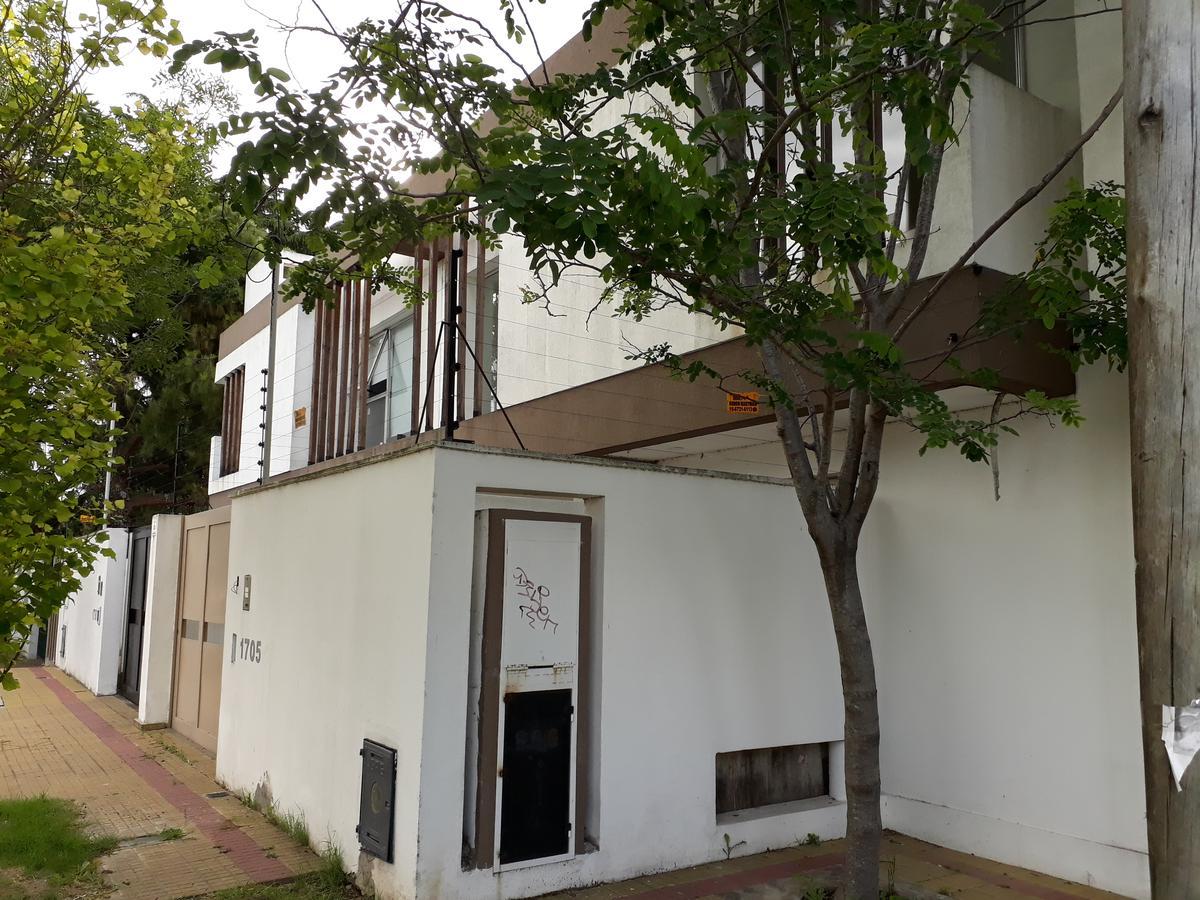Foto Casa en Venta en  Tolosa,  La Plata   12 y 521 - Tolosa La Plata