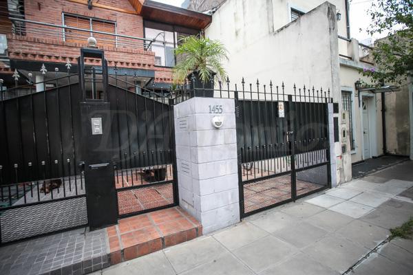 Foto Casa en Venta en  Parque Chacabuco ,  Capital Federal  Albarracin al 1400