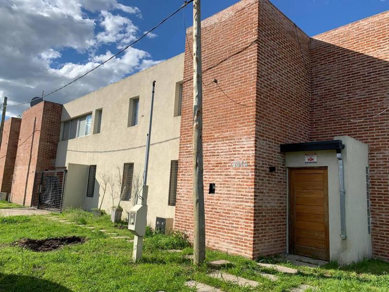 Foto Casa en Venta en  Manuel B Gonnet,  La Plata  132 esquina 512