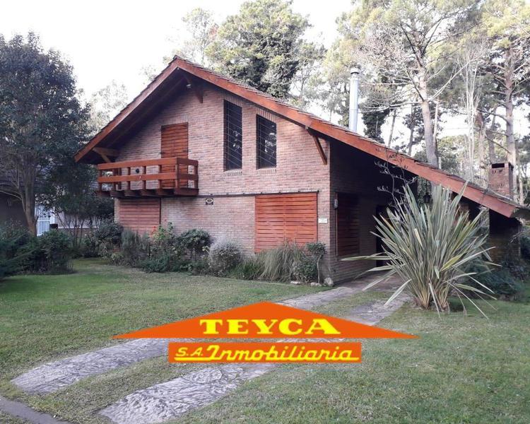 Foto Casa en Alquiler temporario en  Pinamar ,  Costa Atlantica  Fragata Victoria 3341