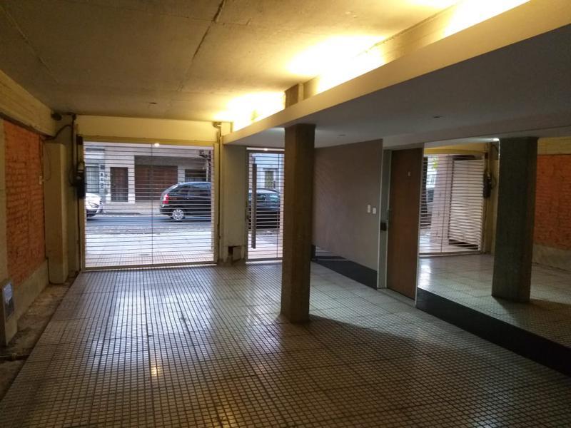 Foto Departamento en Venta en  Colegiales ,  Capital Federal  EN VENTA - Monoambiente con patio en planta baja - giribone al 1200