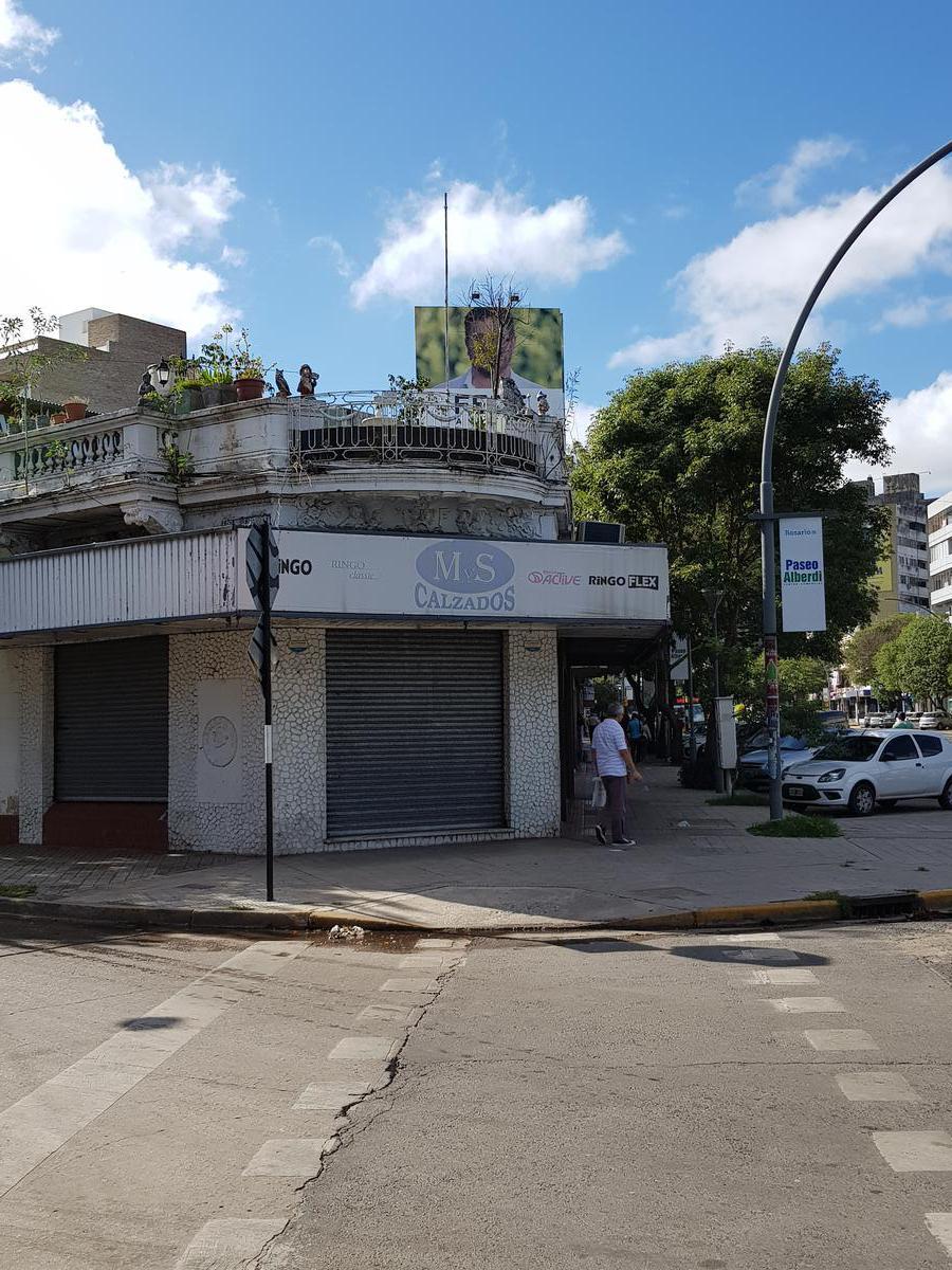 Foto Local en Alquiler en  Arroyito,  Rosario  Av. Alberdi 748