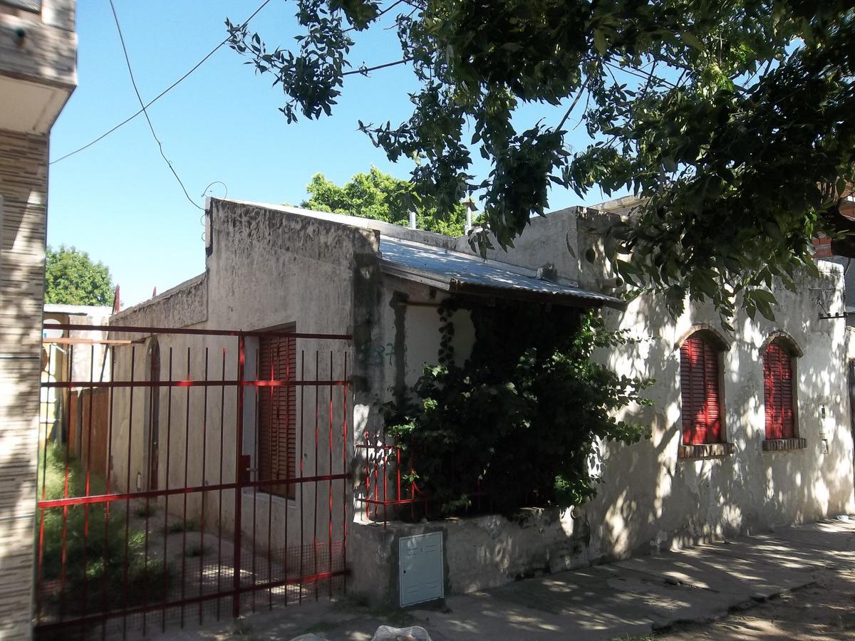 Foto Casa en Alquiler en  Bella Vista,  Rosario  Rio de Janeiro 2879 00-01