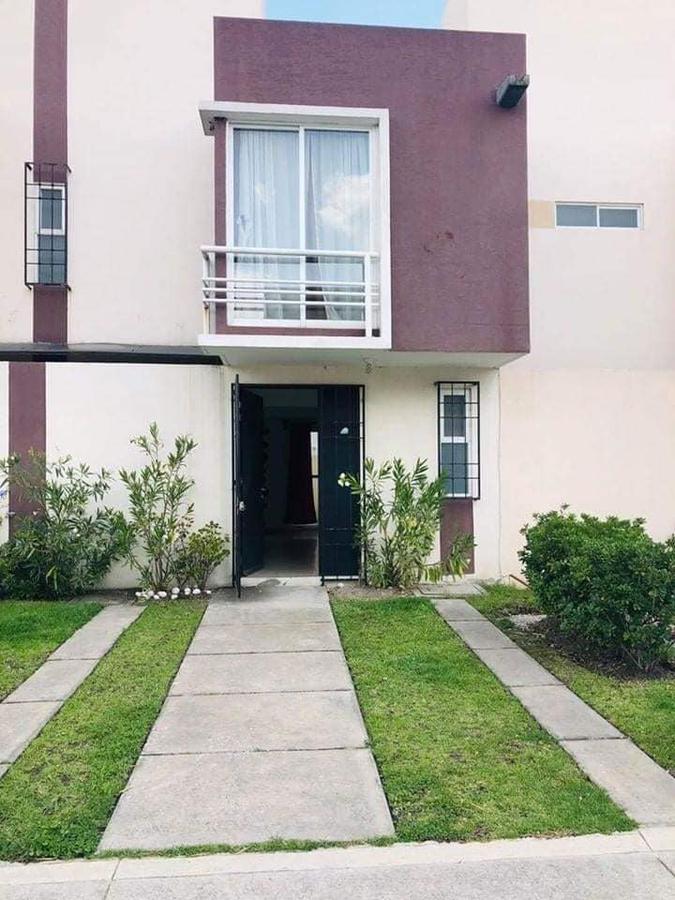 Foto Casa en condominio en Renta en  San Mateo Otzacatipan,  Toluca  RENTA DE CASA EN LAS MISIONES TOLUCA MUY CERCA DEL AEROPUERTO