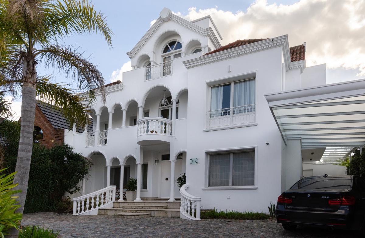 Foto Casa en Alquiler en  Boating Club,  Countries/B.Cerrado (San Isidro)  ROCA al 1000