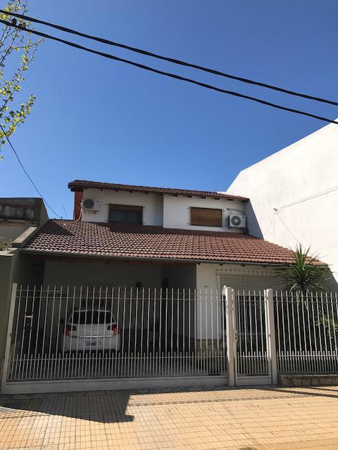 Foto Casa en Venta |  en  Lomas de Zamora Oeste,  Lomas De Zamora  SAN MARTIN 647