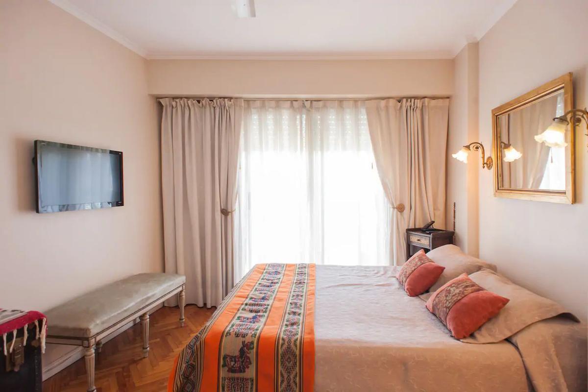Foto Departamento en Alquiler temporario en  Palermo Chico,  Palermo  UGARTECHE 3000 9º