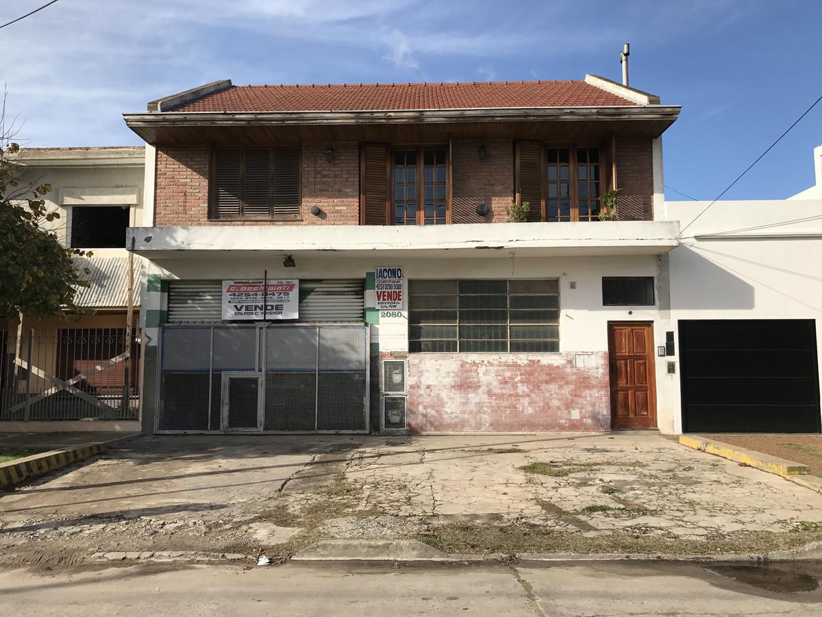 Foto Galpón en Venta en  Quilmes Oeste,  Quilmes  San Luis 2080 e/ Madame Curie y Marconi