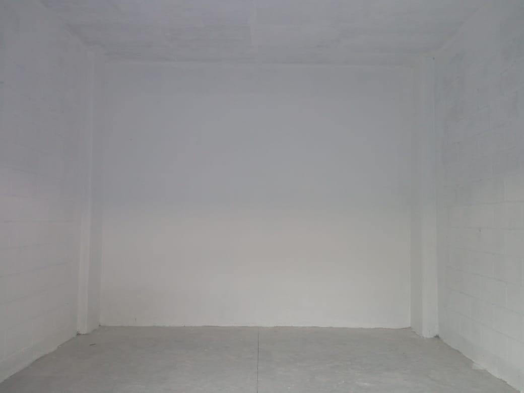 Foto Bodega Industrial en Renta en  Pueblo Tixcacal Opichen,  Mérida  Bodega de 20m²  con cortina al frente de 4x5, con caseta, cámaras de vigilancia y acceso por el Periférico Tixcacal-Poniente