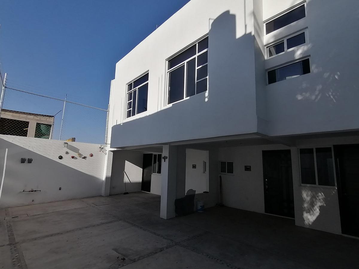 Foto Casa en Renta en  Santa Cruz,  Metepec  Casa en Renta,  Cerca del Centro Medico, Calle Melchor Ocampo y Benito Juarez.