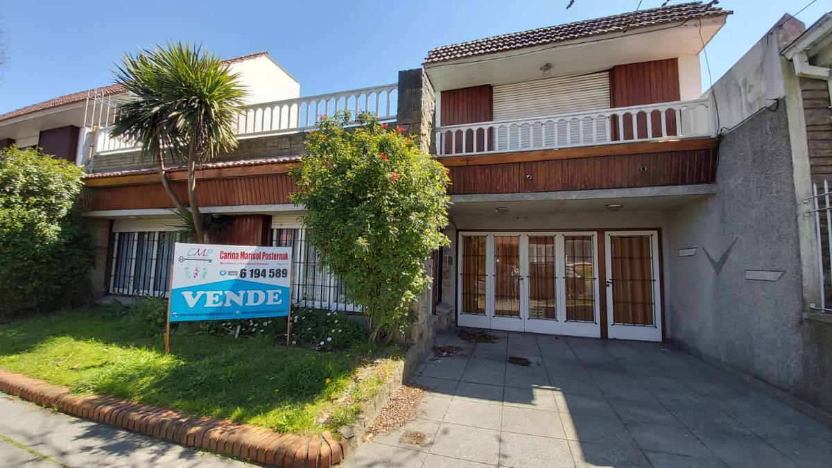 Foto Casa en Venta en  Mar Del Plata ,  Costa Atlantica  Rivas al 3100