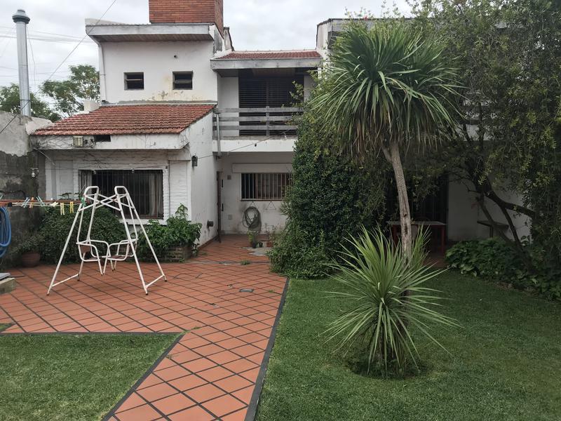 Foto Casa en Venta en  Lomas de Zamora Oeste,  Lomas De Zamora  POSADAS al 400