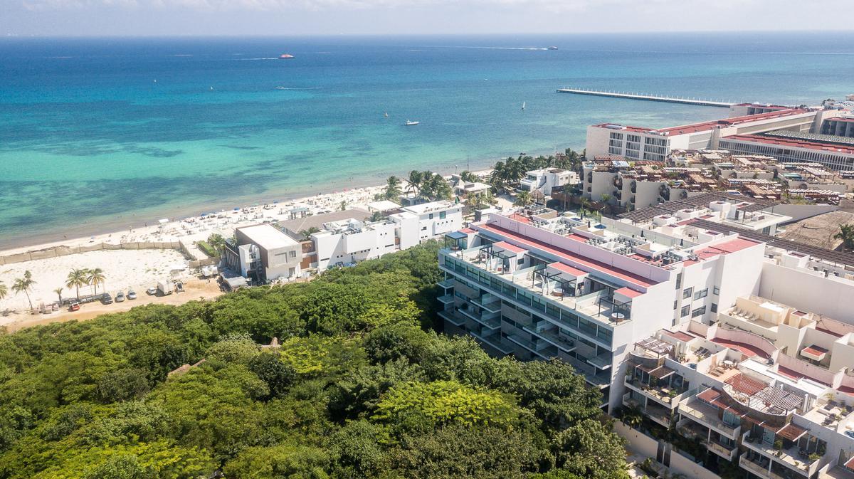 Foto Departamento en Venta en  Playa del Carmen ,  Quintana Roo  calle 32 norte 1 cuadra