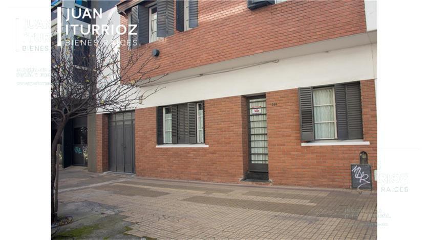 Foto Casa en Venta en  La Plata,  La Plata  8 entre 37 y 38