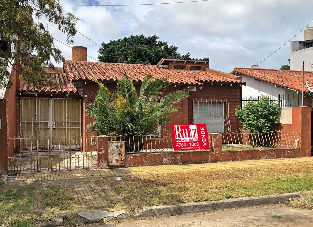 Foto Casa en Venta en  Villa Adelina,  Vicente López  Mariano Moreno al 5400