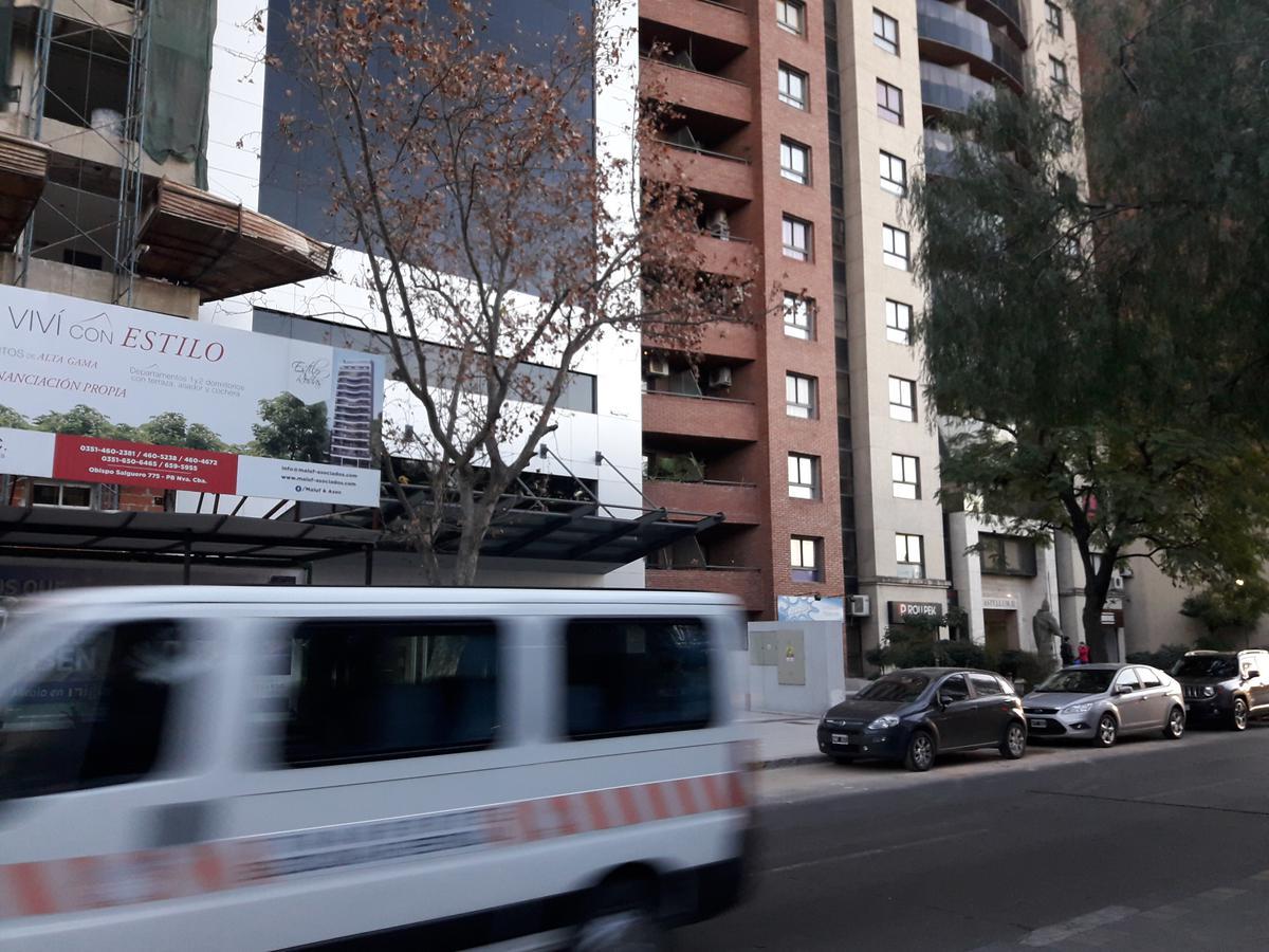 Foto Departamento en Venta en  Nueva Cordoba,  Capital  Av Poeta Lugones al 300
