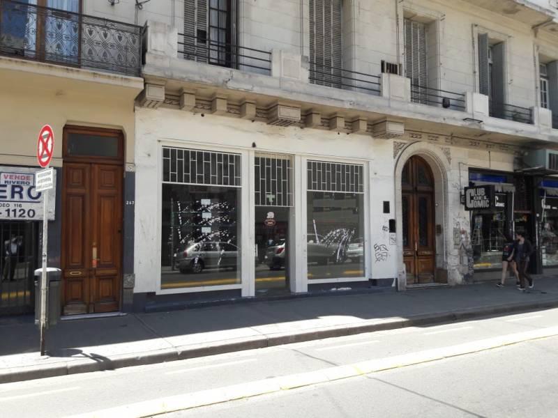 Foto Local en Alquiler en  San Nicolas,  Centro  Montevideo al 200