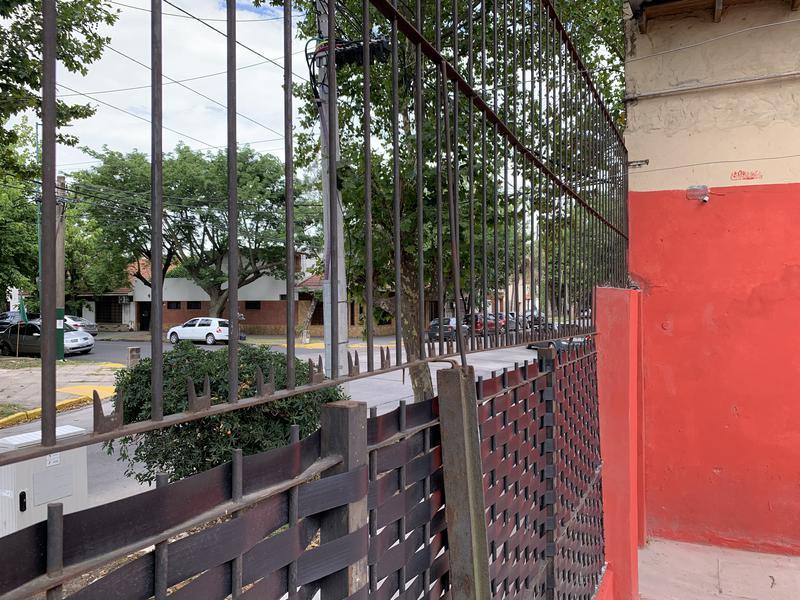 Foto Local en Alquiler en  Lomas de Zamora Oeste,  Lomas De Zamora  RIVERA 806