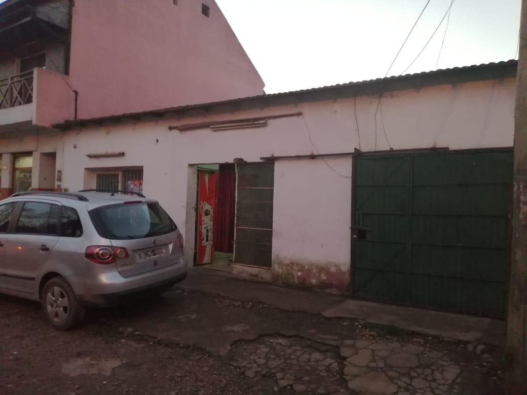 Foto Local en Venta en  Garin,  Escobar  USUAHIA al 200