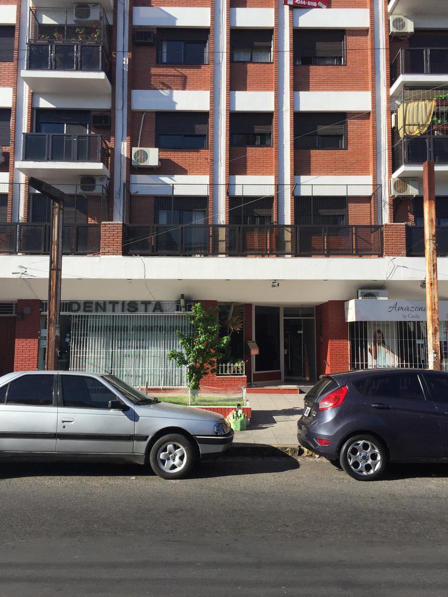 Foto Departamento en Venta en  Lomas de Zamora Este,  Lomas De Zamora  Fonrouge al 100