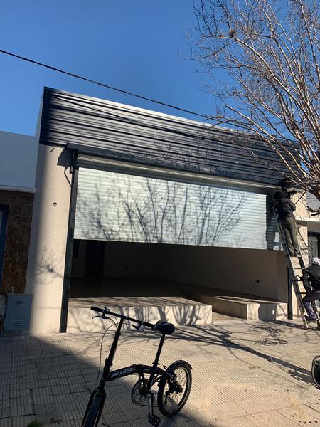 Foto Local en Alquiler en  La Plata ,  G.B.A. Zona Sur  19 entre 46 y 47