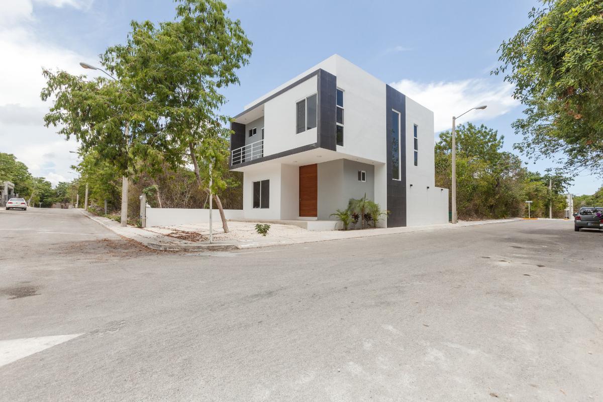 Foto Casa en Renta en  Residencial Regatta,  Puerto Morelos  CASA AMUEBLADA EN RENTA EN PUERTO MORELOS EN RESIDENCIAL REGATTA